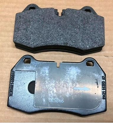 Picture of BMW 840/850 front barke pads 341111363923