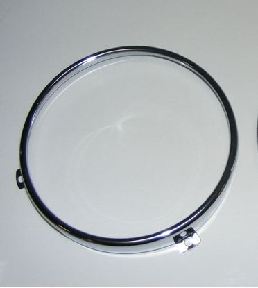 Picture of bmw headlight rim, 63121362477